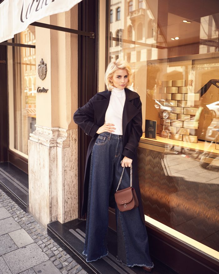 Female fashion editorial with Blogger Caro Daur by Heidi Rondak for FACES Magazine