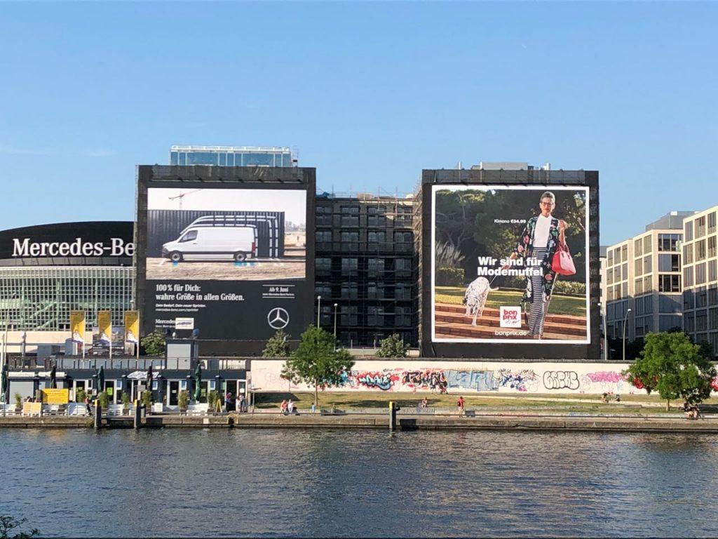 King-size advertisements in Berlin