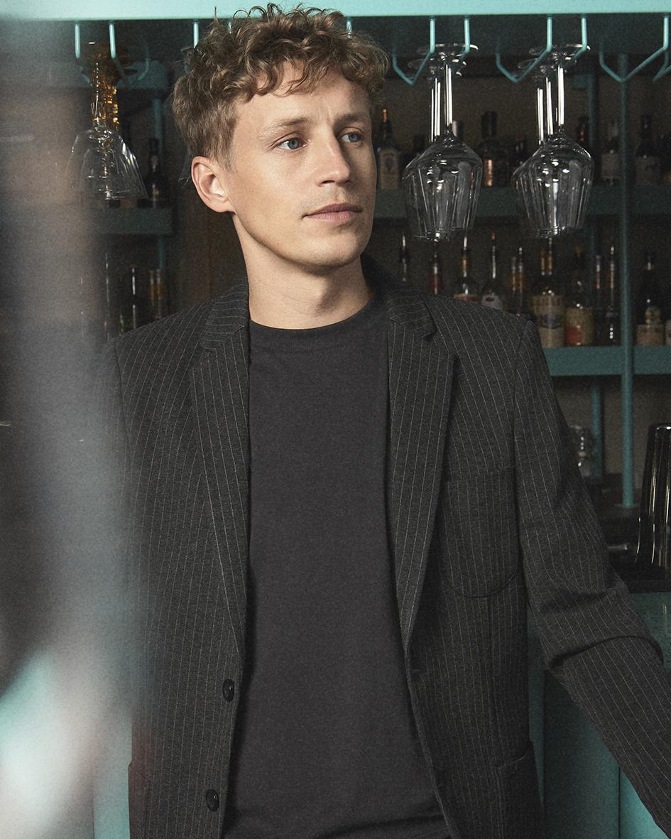 Portrait of Tim Bendzko by Heidi Rondak for Vangardist Magazine